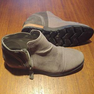 Sorel major booties size 8